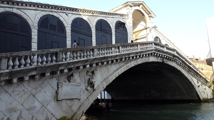 venice-rialto-bridge